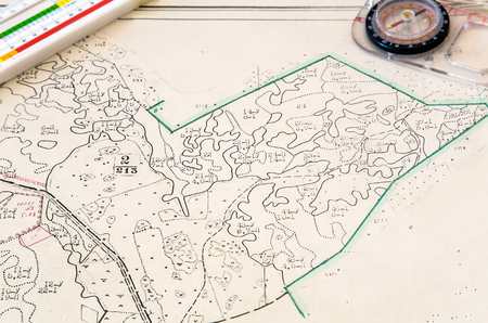 azimuth: Plan of the land plot with applied objects and tools: compass, ruler.