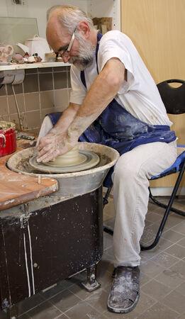 alfarero: El alfarero en el trabajo Foto de archivo
