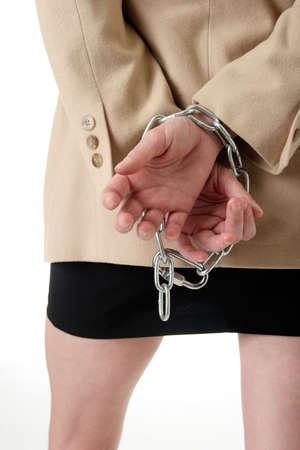 handcuffed: Handen gebonden achter de rug