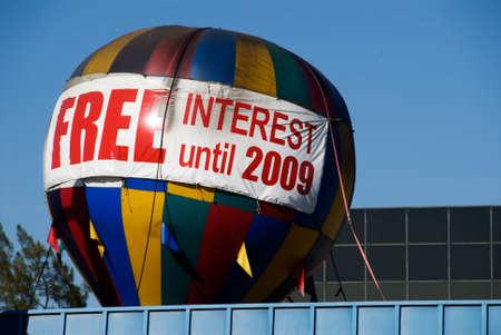 Grote luchtballon reclame vrije rente tot het jaar 2009 Stockfoto - 750833