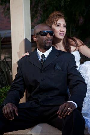 interracial marriage: Moderno e accattivante coppia pi� razziale