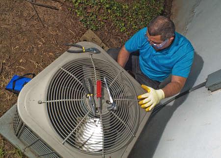 electricista: Aire acondicionado hispano t�cnico