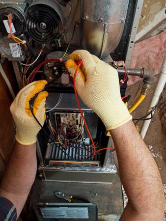 ヒスパニック空調修理マニュアル保守の実行 写真素材