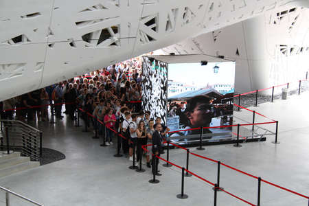 come in: People queued to come in Italian Pavillon at Expo 2015 in Milan Editorial