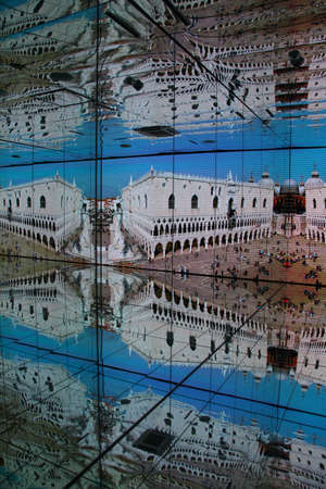 mirror image: Mirror image of Italian building and sculptures inside Italian pavillon at Expo 2015 in Milan Editorial