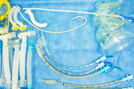 Set of tools for intubation tracheas