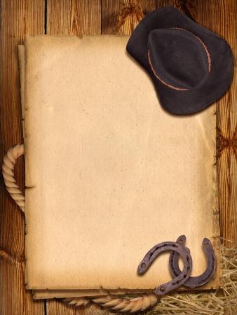 herradura: Fondo occidental con sombrero de vaquero y herraduras para el diseño Foto de archivo