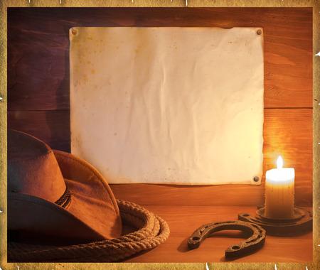 rodeo americano: Fondo de vaquero de rodeo americano con sombrero occidental y lazo para el texto Foto de archivo