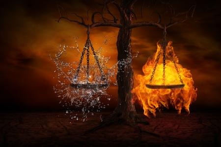 화재와 물 사이의 균형을 스톡 콘텐츠