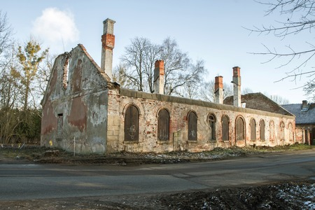 dilapidated wall: ruined house