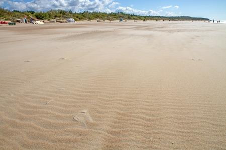 gold coast: small sand waves
