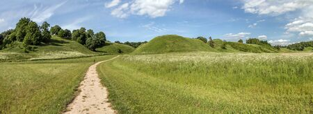 mounds: Road To Mounds