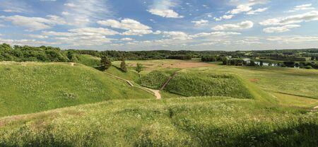 mounds: Many Mounds