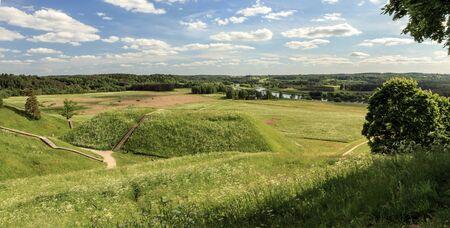 mounds: Mounds Panorama