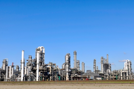 oil refinery: oil and chemical refinery Stock Photo