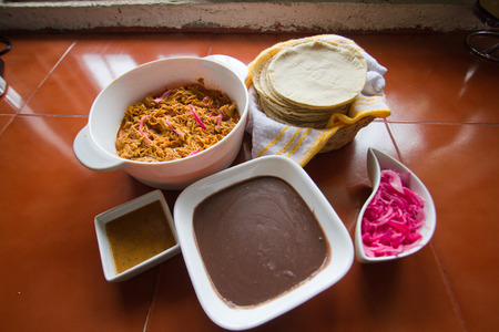 Cochinita with refried beans