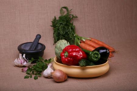 con: Bodegón con legumbres y verduras. Stock Photo
