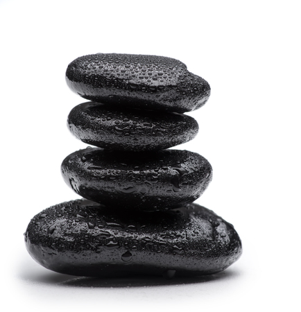piedras zen: Piedras del balneario en blanco aislado Foto de archivo