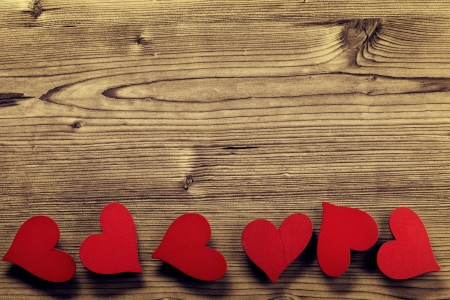 plano: Valentines Day frame - wood background