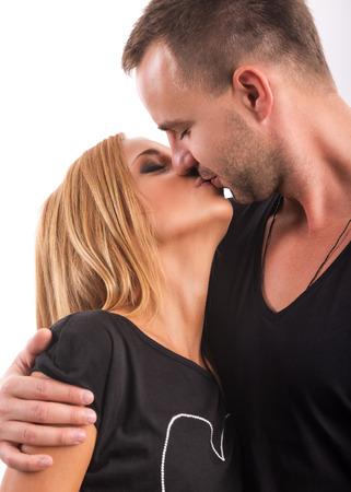 enamorados besandose: Amor Pares que se besan en el estudio