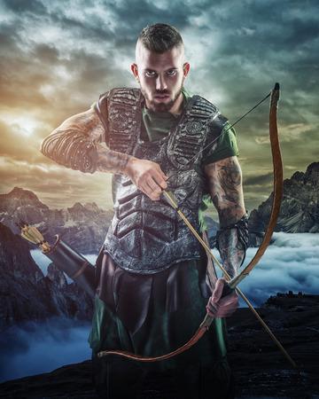 arco y flecha: Tiro con arco Profesional en las monta�as primer