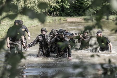 Hongrie, Orfu - du 3 au 8 mai: Elite Challenge est un programme conçu à la fois pour les civils et les professionnels qui souhaitent essayer ce que l'on ressent à travers la sélection des forces spéciales, comme si vous vouliez entrer dans les rangs de l'armée américaine. les forces.
