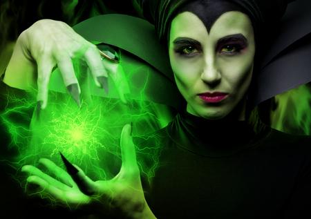 Maleficent demonic - starring 報道画像
