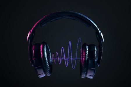 DJ 헤드폰 및 디스코 파도 검은 배경에 고립 스톡 콘텐츠