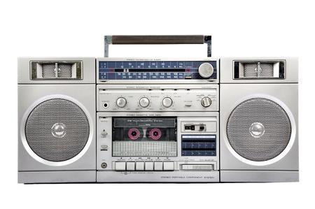 카세트와 1980 년대 실버 라디오 붐 박스는 흰색 배경에 고립 스톡 콘텐츠