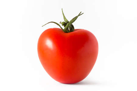luft: Red tomato isolated on white background.