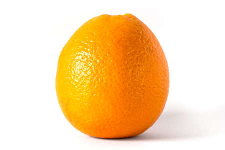 luft: Front view of an orange on a white background.