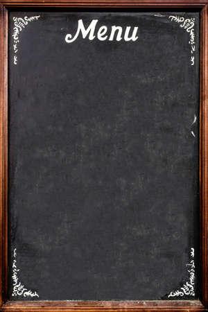 Een bord gebruikt als menu, in een Italiaans restaurant.