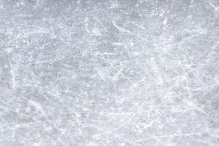 Bovenaanzicht van een blad van ijs bekrast.