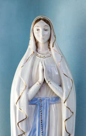Our Lady vintage porseleinen beeldje Stockfoto