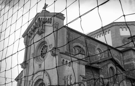 Exterior of a classic Catholic church in Italy. Banque d'images