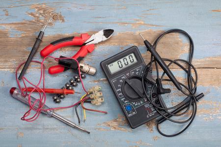 Pièces électriques et outils Banque d'images - 95326881