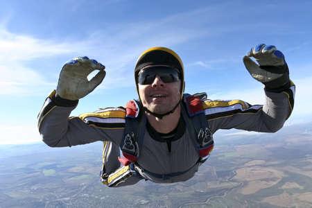 caida libre: Paracaidista en ca�da libre Estudiante