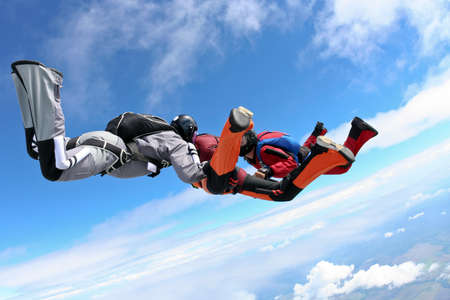 caida libre: Grupo de paracaidistas en ca?da libre