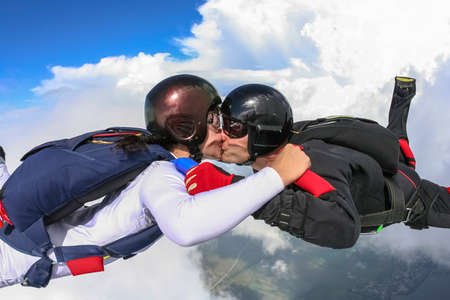 Kiss in a free fall