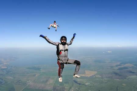 caida libre: Dos paracaidista en ca�da libre Foto de archivo
