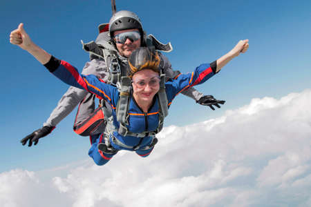 parachute jump: Tandem jump. Flying in a free fall.