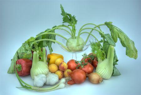 HDRI of apricot, paprika, fennel, tomato, kohlrabi, garlic, onion.