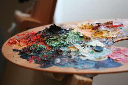 Palet van de verf met kleuren