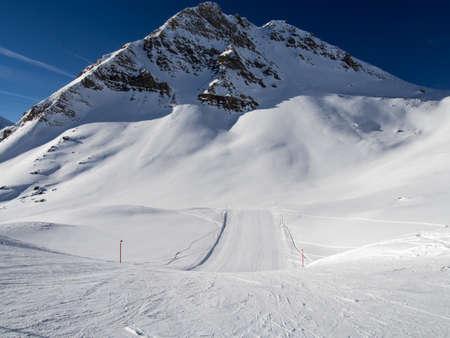 skipiste: Sch�ne Abfahrt im Engadin