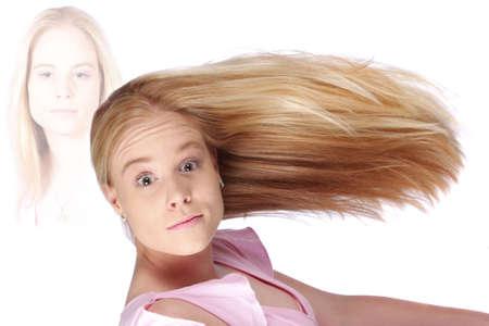occhi grandi: Modello biondo con occhi grandi e lunghi capelli biondi