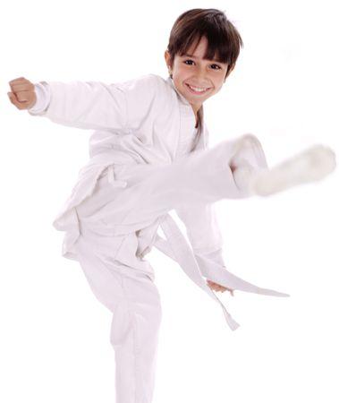 가라테 소년 excercising 격리 된 흰색 배경