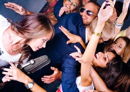 Artistes voir chanteuse interpr�te au club de nuit