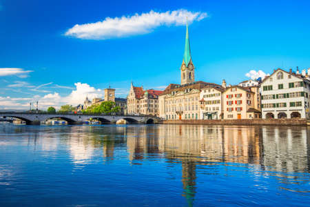 View of historic Zurich city center with famous Fraumunster Church, Limmat river and Zurich lake, Zurich, Switzerland 免版税图像