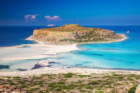 Balos-Lagune auf Kreta-Insel mit azurblauem klarem Wasser, Griechenland, Europa. Kreta ist die größte und bevölkerungsreichste der griechischen Inseln.