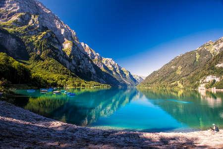Klontalersee (Lake Klontal) in Swiss Alps, Glarus, Switzerland, Europe. 版權商用圖片